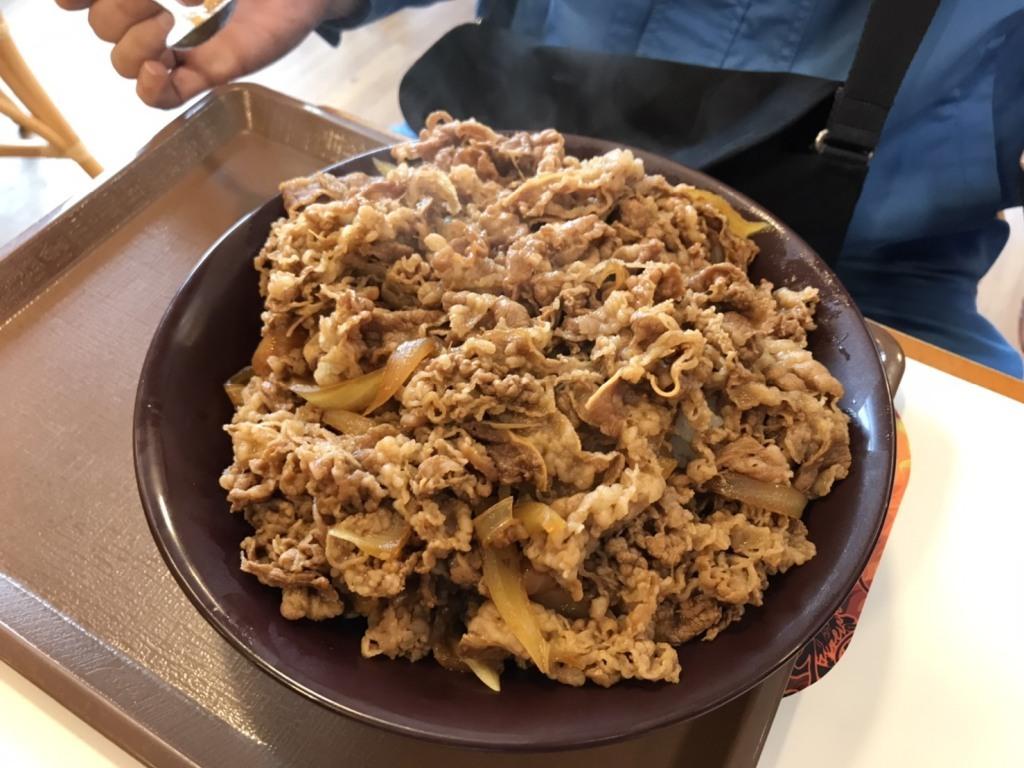 すき家の「牛丼キング」